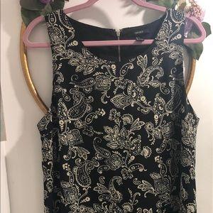Pretty forever 21 black floral dress, size large.